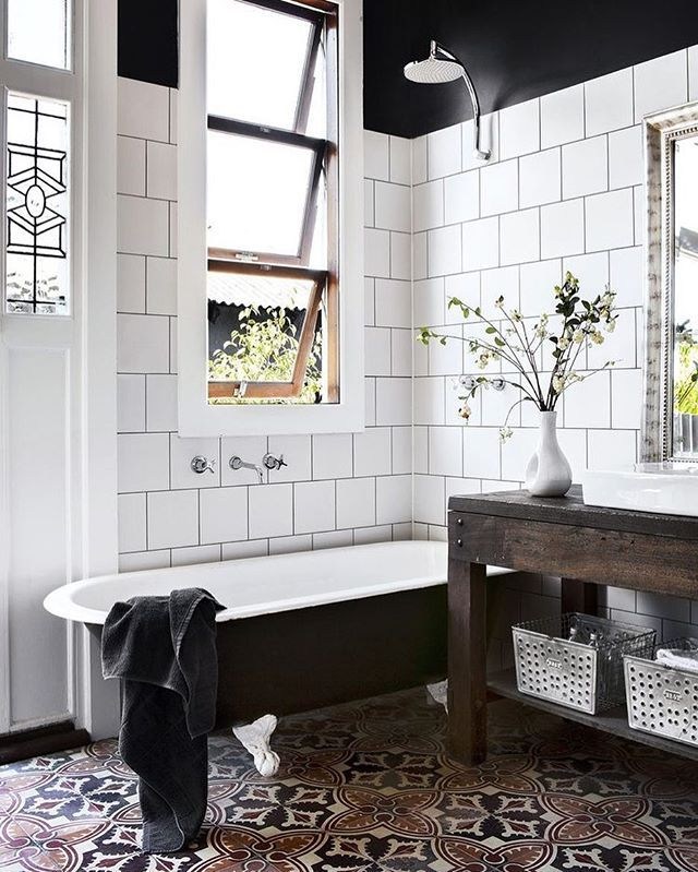 Best 25+ Vintage tub ideas on Pinterest White traditional - vintage bathroom ideas