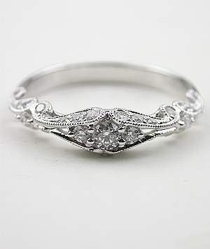 Vintage ring.  This is one of the most beautiful rings, (outside of my wedding ring,) that I've ever seen!  Top of my anniversary wish list!