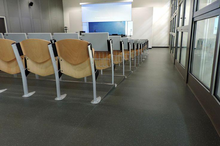 Campus Universitario – Forlì, Italy / Granito flooring https://www.pinterest.com/artigo_rf/granito/