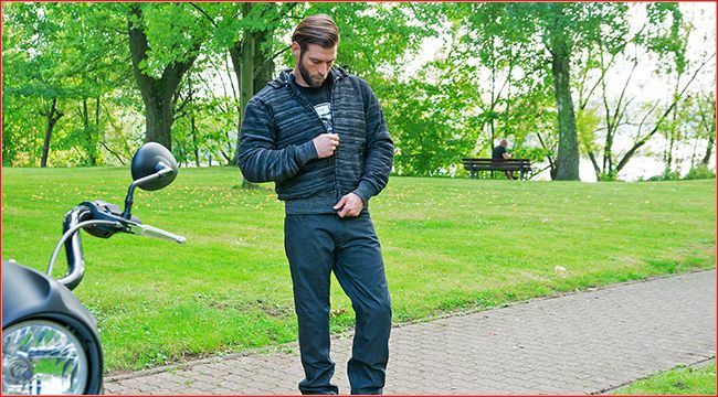 Mode bei Germas: Kevlar Hoodies Voll gefüttert, mit Membrane und Protektoren versehen sind die neuen Kevlar Hoodies von Germas; Modelle sind für Frauen und Männer verfügbar https://www.atv-quad-magazin.com/mode-bei-germas-kevlar-hoodies/ #germas #kevlar #bikermode #atvquadmagazin