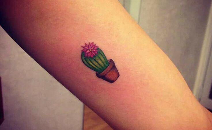 ¿Qué significan los tatuajes de cactus? En Tatuantes te explicamos el bonito significado que tienen los tatuajes de cactus y te mostramos algunos ejemplos.