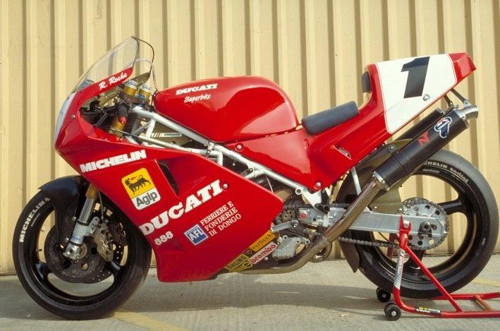 Ducati 888 Corsa - Raymond Roche. Still the most beautiful Duke ever !