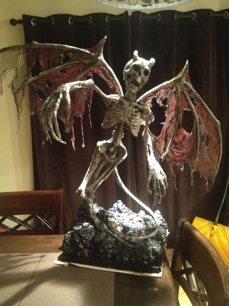 287 best creepy halloween props and ideas images on - Decoracion halloween 2017 ...
