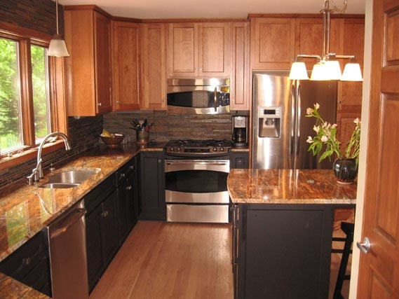 This Showplace Kitchen Is Located In Apple Valley, Minnesota. Featuring  Cherry Concord With Sienna