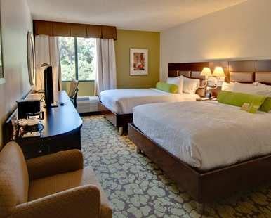Hilton Garden Inn Los Angeles/Hollywood Hotel, CA - Urban Guestroom - Two Queen Beds