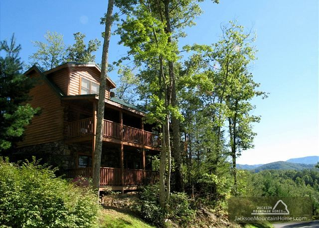 Cubs Corner Black Bear Falls 3 Bedroom Gatlinburg Tn Pinterest Gatlinburg Cabin Rentals