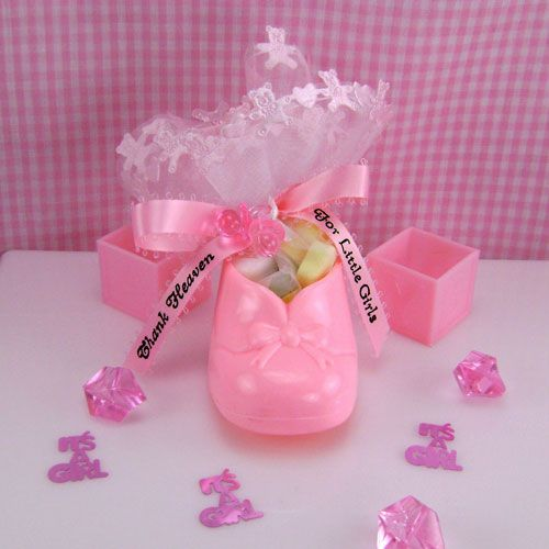 16 best images about baby shower on pinterest baby for Baby gift decoration ideas