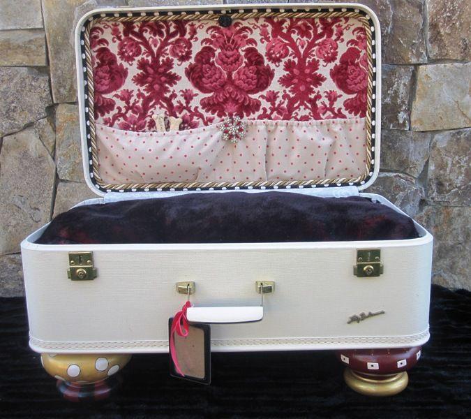Best 25  Suitcase dog beds ideas on Pinterest | Doggie beds ...