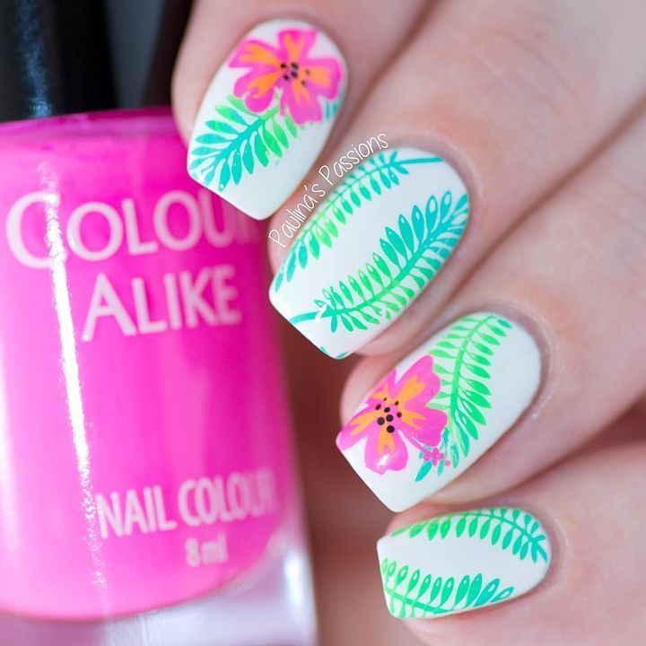 "756 Me gusta, 14 comentarios - Paulina  (@paulinaspassions) en Instagram: ""Raise your hand if neon colors make you happy   I love this combo of green leaves and hibiscus…"""