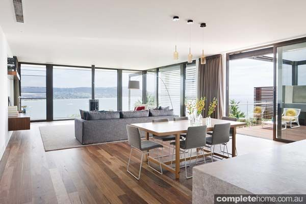 natural light + open plan lounge = beach style chic