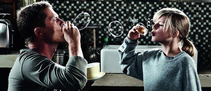 """Ekşisözlük yazarlarından, """"inglourious basterds filmindeki hugo stiglitz karakteriyle hatırlanan til schweiger'in béla jarzyk ile yazdığı ve yönetmenliğini de kendisinin yaptığı 2011 yapımı başarılı film."""" #eksisozluk #kizimveben #kokowaah #film #movie #sinema https://eksisozluk.com/kokowaah--3714759"""