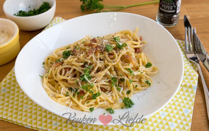 Een van mijn favoriete pastagerechten waarvoor ik altijd alle ingrediënten in huis heb is spaghetti carbonara. Tevens het makkelijkste en snelste pastagerecht in mijn kookrepertoire. Vroeger maakte ik