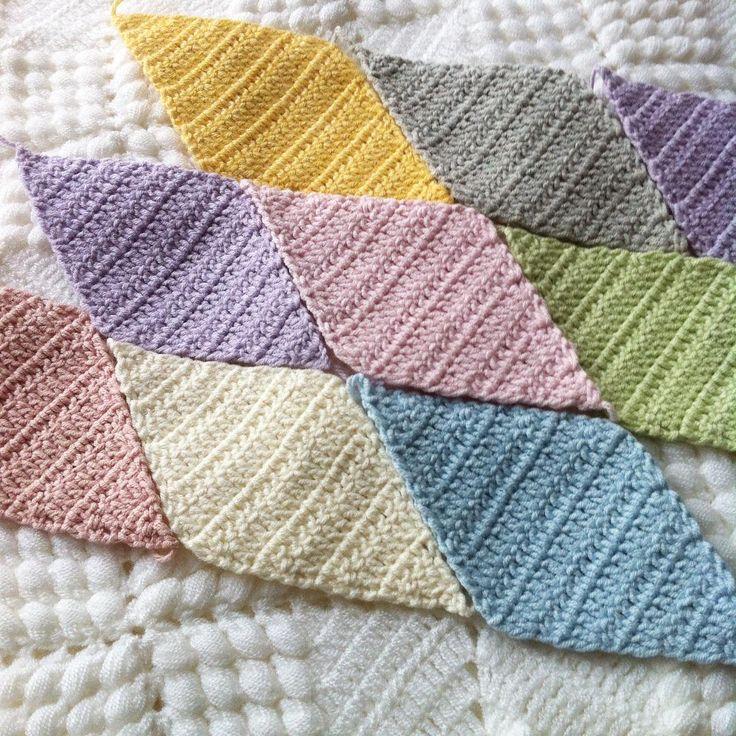 🙋Selam olsun herkeslere....💕 daldan dala hallerim.... Ip/yarn👉Yarnartjeans Hook/tığ 👉 4 no 2.5mm  #crochetblanket#crochetdiamond#craftastherapy#crochetlove#crochetaddict#ilovecrochet#crochetofinstagram#yarnaddict#crocheting#haken#haakverslaafd#makeitsewcial