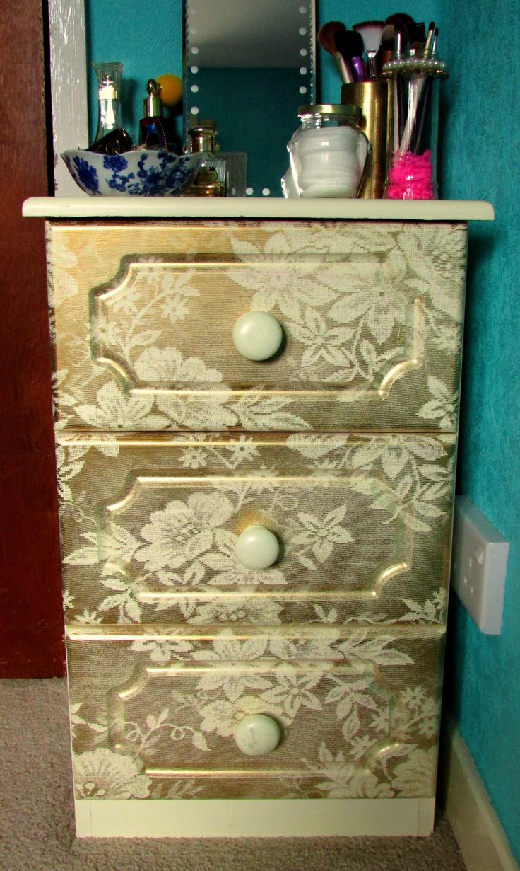 Gold spray painted lace drawers ♥