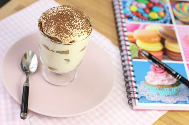 Tiramisu cu aroma de cafea, Reteta de tiramisu la pahar, reteta de tiramisu cu aroma de cafea. Desert rapid Masa in familie.