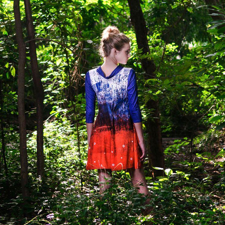 Vestido sublimado con estampa exclusiva del diseñador. Diseñadora Natalia Michel