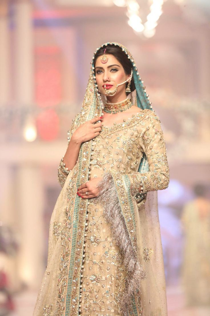 Pakistani Wedding Dress. Pakistani Bride ♡ ♥ ♡ Pakistani Style. Pakistani Dress ♡ ♥ ♡ Follow me here MrZeshan Sadiq