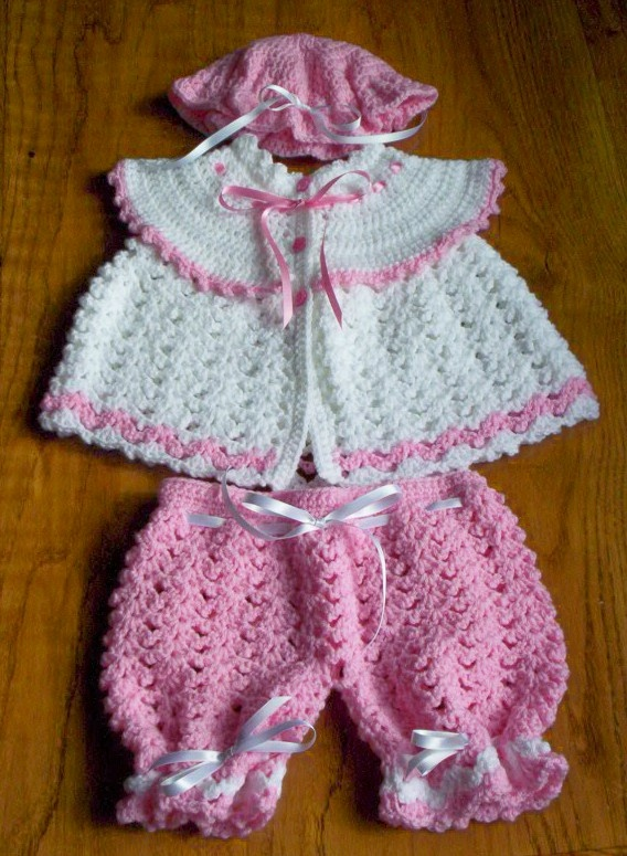 pretty in pink and lace No pattern just pinned for the idea. - 455 Best Baby Sets Crochet Images On Pinterest Crochet Baby