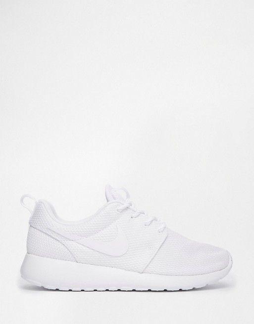 Nike   Белые кроссовки Nike Roshe Run