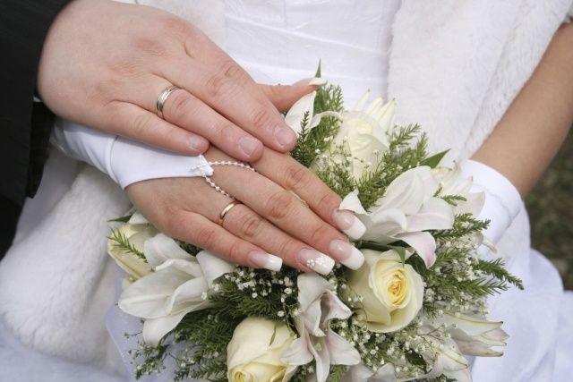 ongles de mariage photos plaine francaise longue fleurs carrées deco   – nageldesign schlicht