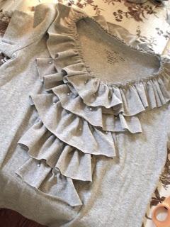 Sarahndipities: Ruffle T-Shirt Refashion