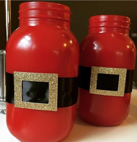 This listing is for Santa suit mason jars in various sizes and quantities! Great for gifts, centerpieces, and flowers! If the insides of the jars are painted, i