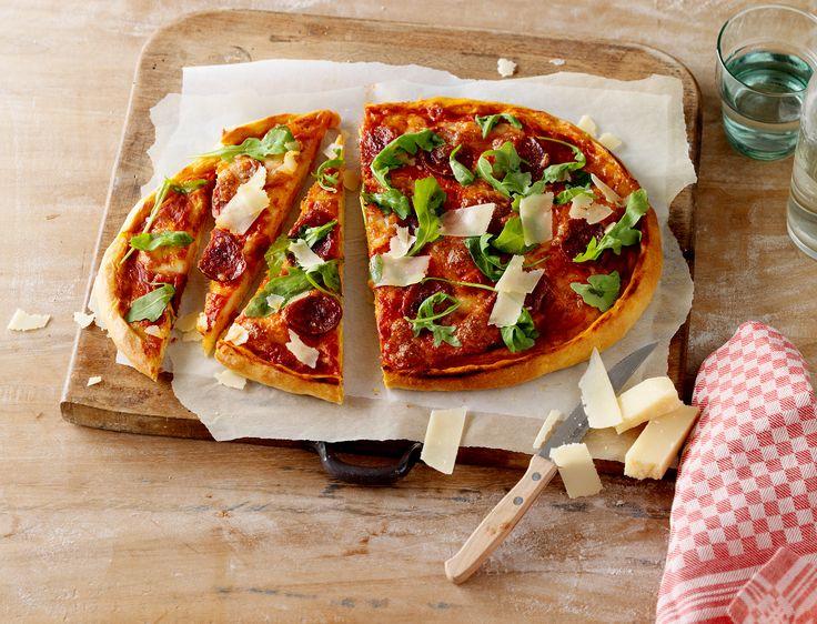 Pizza met een luchtig én knapperige bodem, daar houden we allemaal wel van! Met Koopmans pizzabodem maak je binnen een handomdraai je eigen pizza