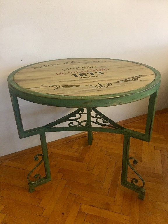 çok Renkli El Boyama Yapılmış Sağlam Masa Kullanılmış Yemek Masası