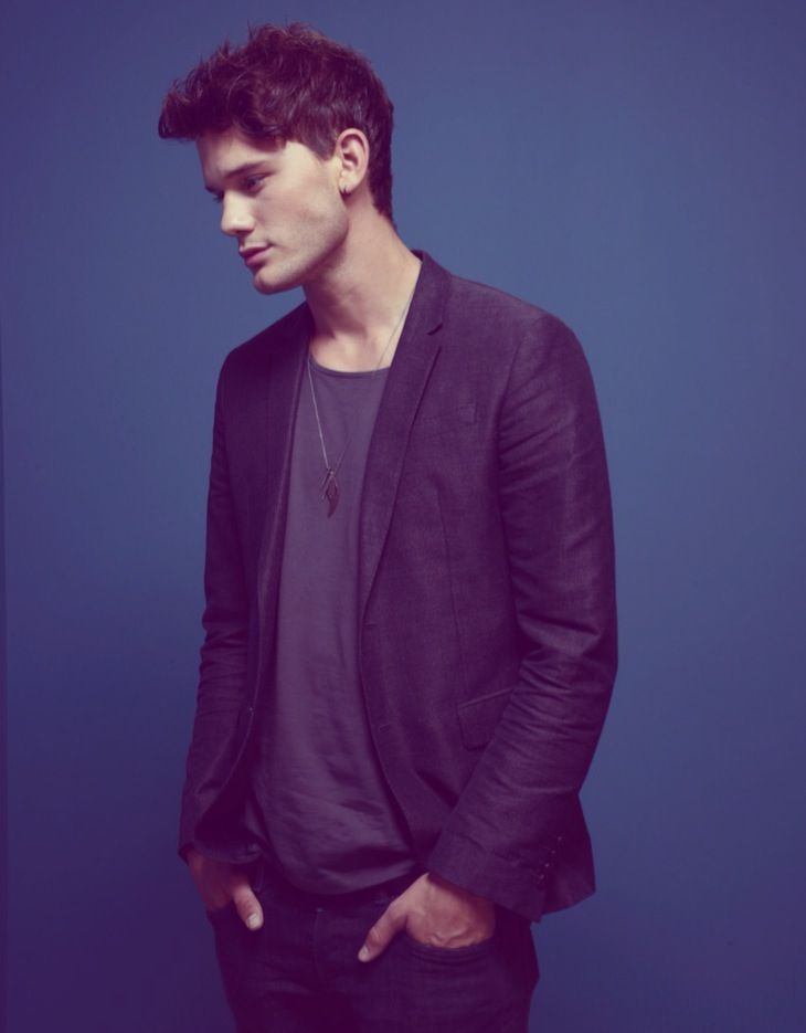 Jeremy Irvine /// crush <3