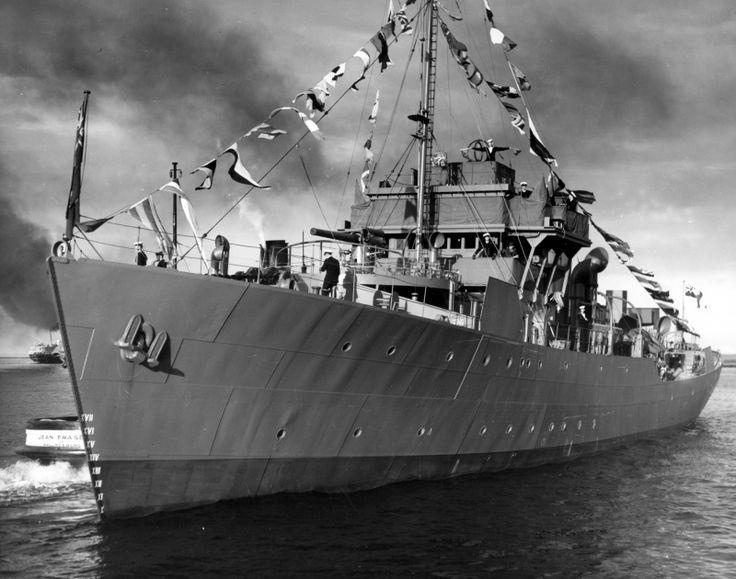 Канадский корвет «Порт Артур» в день приема в состав Королевского флота Канады [7]