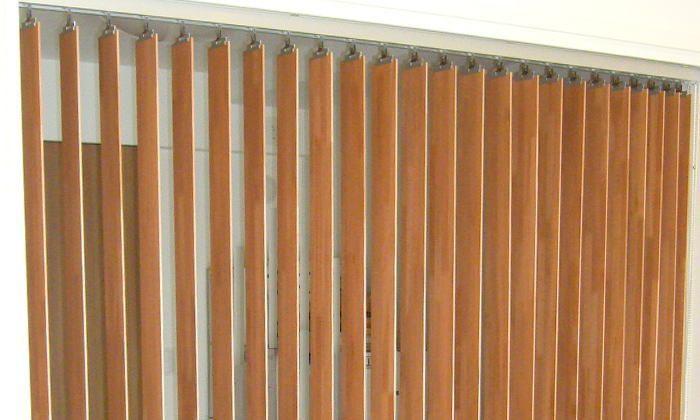 お部屋の間仕切りにナニックgシリーズウッドバーチカルブラインドを取り付けしました 川崎市麻生区 インテリア 間仕切り ナニック Gシリーズ ウッド バーチカルブラインド 取り付け事例 横浜市麻生区 バーチカルブラインド インテリア 間仕切り 部屋の仕切りカーテン