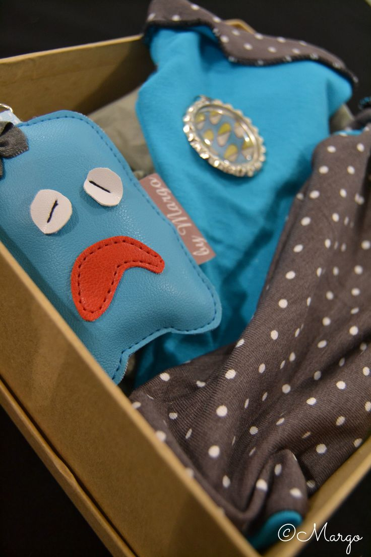 La créatrice By Margo propose des petits articles sur mesure! Une couleur, un tissu et hop elle fabrique vos envies! Ces mitaines et ce porte clé, le tout pour 25,50€
