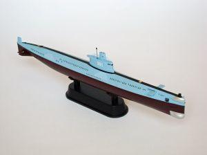 """Okręt klasy Ming - Model chińskiego okrętu podwodnego, typu 035. Długość modelu 22 cm. Model plastikowy, ręcznie złożony i ręcznie pomalowany w skali 1:350.    """"Ming Class Submarine"""" (391990) - this is model of Chinese submarine, type 035. Lenght 22 cm (centimetres). This is plastic model, hand-glued and hand-painted in 1:350 scale models."""