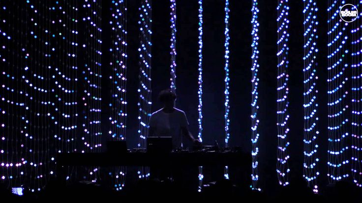 Listening to the Four Tet Boiler Room London set. Loving the lights show. Who needs to dance when you can just stare at the lights… #fourtet #boilerroom #live #london #beautifullights