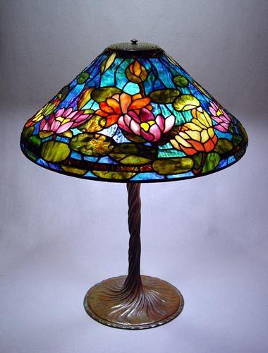 lovely tiffany style lamp