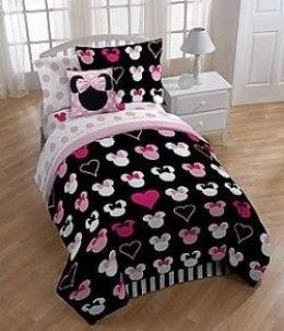 Minnie Mouse bedding for twin beds is perfect for a little girl's room, dorm room or any room that needs a little Disney magic.  Decorate with a Chic black and pink Minnie Mouse comforter set or stick to Minnie's signature colors of black and red. ...