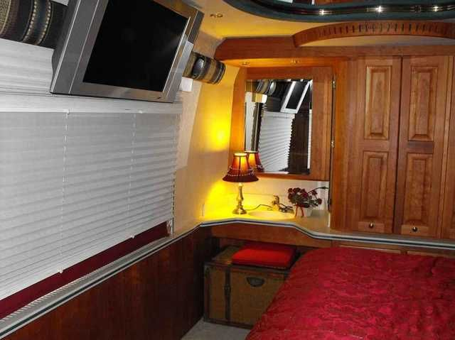 """1999 Used MCI Mci Renaissance 45ft Star Coach Class A in Florida FL.Recreational Vehicle, rv, 1999 Mci Mci Renaissance 45ft Star Coach , Many upgrades , Same sleek body design til 2012.. NOT AN ASSEMBLY LINE RV... IT'S A Million Dollar CUSTOM BUILT (from new) ONE OF A KIND coach (replacement today over $1.5 Million). Shows like NEW (45' MCI Bus, same as """"Greyhound"""") with raised roof, 2 SLIDES, that's right TWO SLIDES, and it's LOADED... Will take classic car and/or smaller RV as part trade…"""