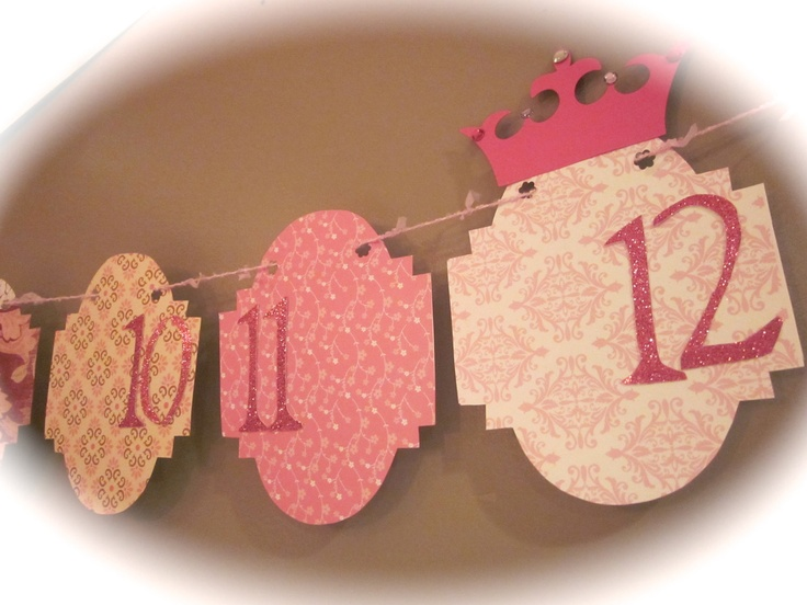 12 month picture banner, $19.50 via Etsy