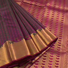 Sri Sagunthalai Silks Handwoven Jacquard Kanchipuram Silk Saree With Turning Border 10006209 - AVISHYA.COM