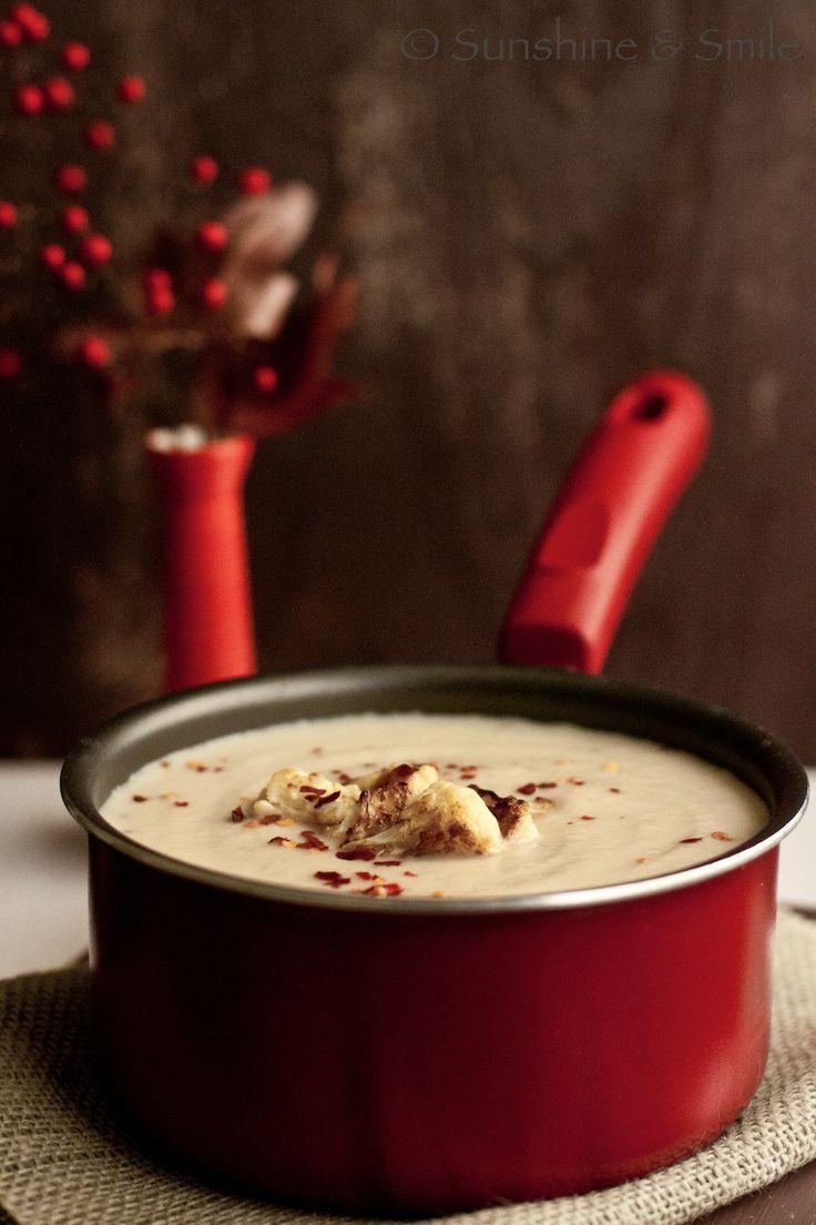 Creamy Cauliflower Soup: Photography Challenge, Creamy Cauliflowers, Soups Salad Sandwiches, Nice Cauliflowers, Cauliflower Soup, Cauliflowers Soups, Soups Chilis, Bloggable Recipes, Derp Recipes