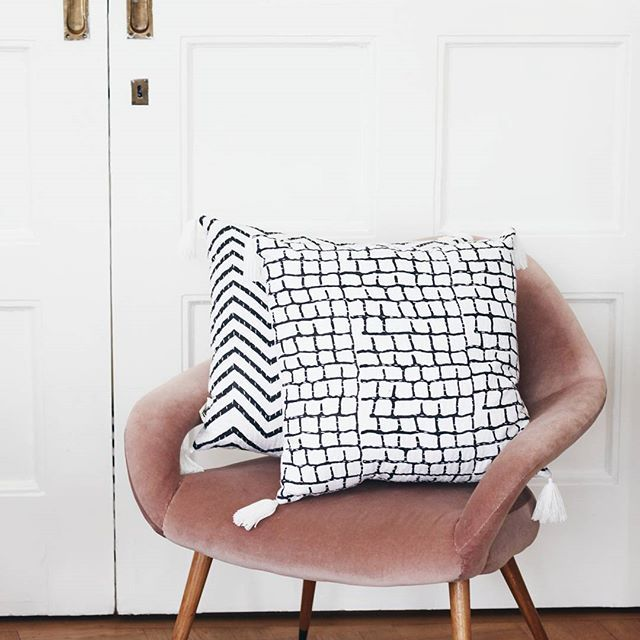 Time to buy new cushion covers?   #tikau #cushioncovers #blackandwhite #zigzag #homedeco #interior #decoration #pillows #ethical #sustainable #ecological