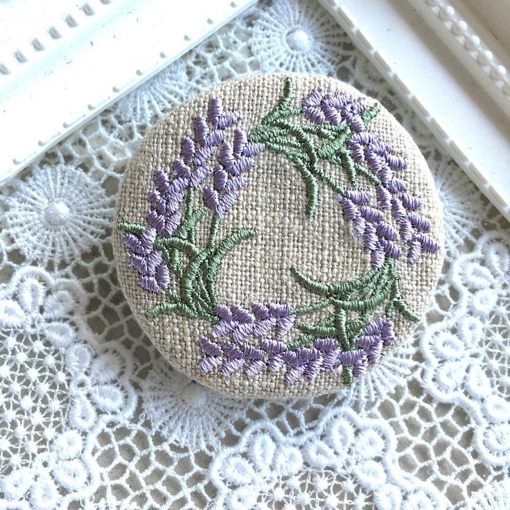 #embroidery #刺繍ブローチ