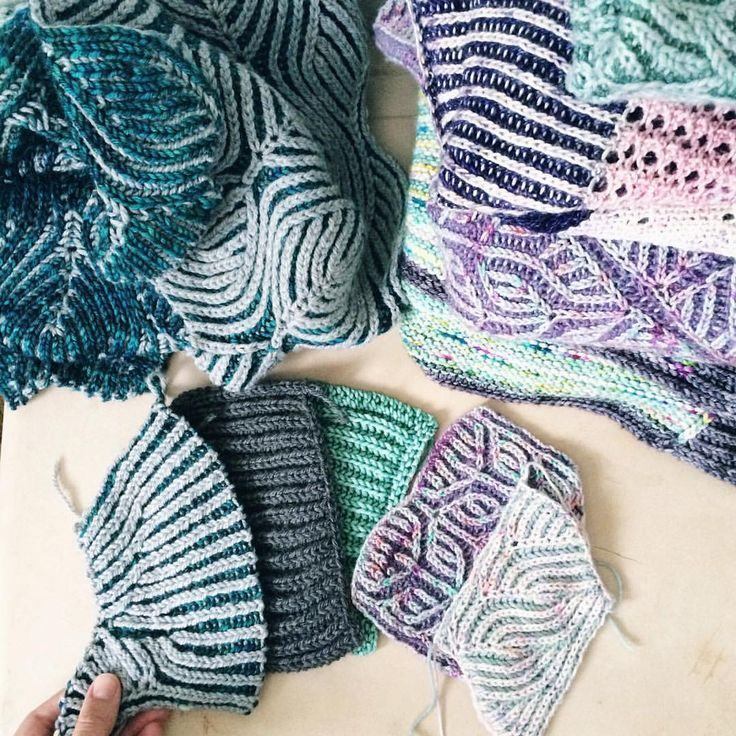 """906 Likes, 23 Comments - Lesley Anne Robinson (@knitgraffiti) on Instagram: """"Happy April!!!!! My favorite month. 💖 . I'm organizing my brioche swatches and samples in…"""""""