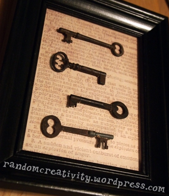 Framing skeleton keys without glue or ribbon