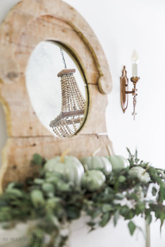 French Vintage fall tour is gorgeous with fresh touches of natural elements against French Vintage decor items. Just beautiful.