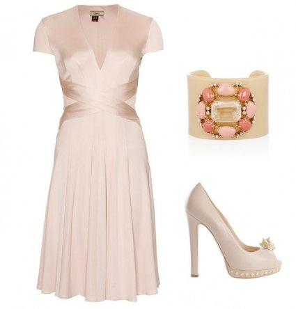 Robes de cocktail et tenue de mariage : la robe poudrée