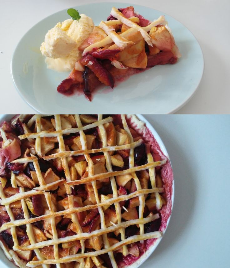 Apple pie with plums, vanille icecream