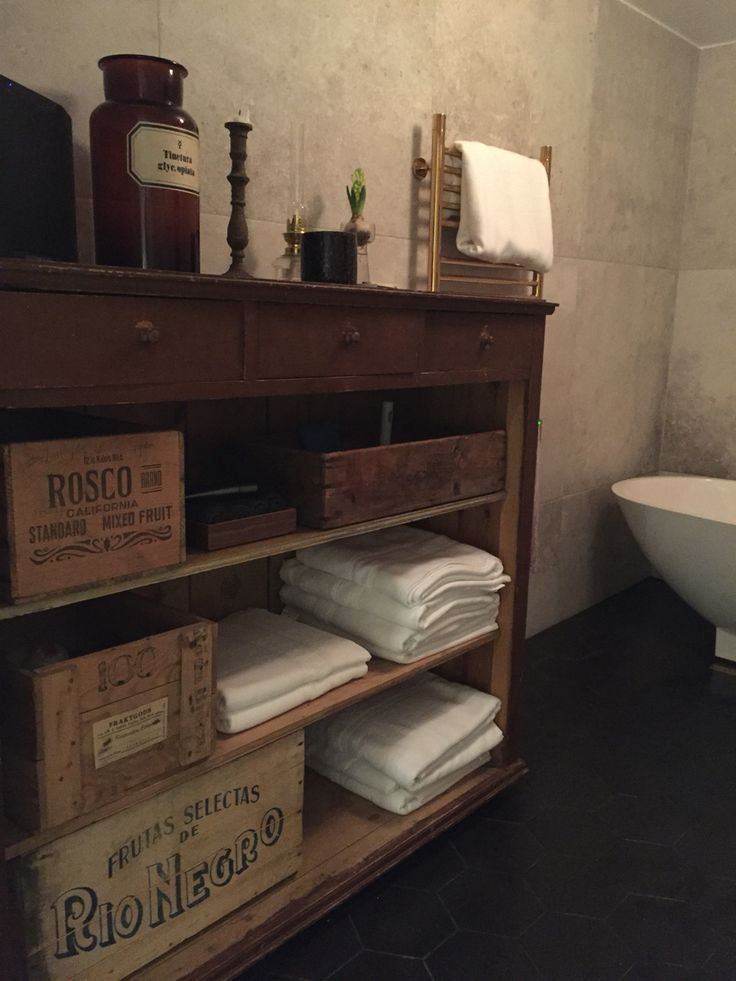 In late 2015 we decided to renovate our bathroom and gave it at modern look with a twist with some old furniture. From being an old, cold and not to nice bathroom to me just wanting to go home from work so that I can take a bath!