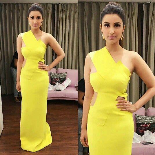 Parineeti chopra wearing yellow gown by Monisha Jaisingh for Stardust Awards 2015
