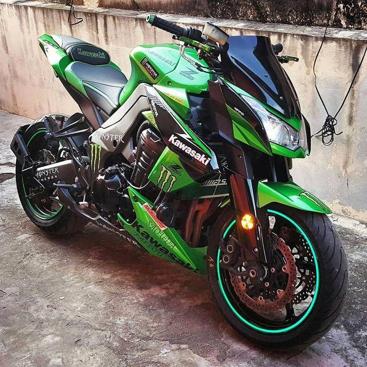 """A monster Kawi! @yaro__Ibrahim #Kawasaki #Z1000 #BikeKingz"""
